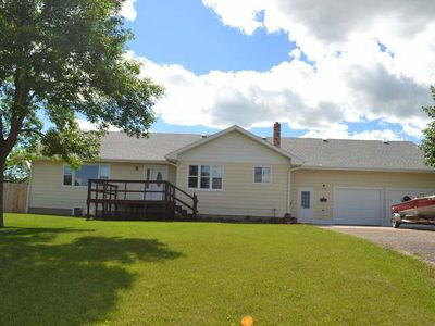 705 3rd Ave Nw, Hazen, ND 58545