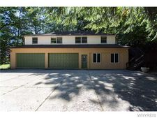 5859 Woodlee Ct, Orchard Park, NY 14127