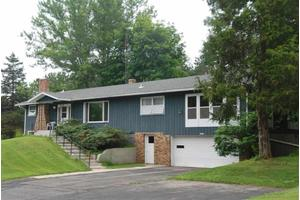 N4446 Friedel Ave, Cambridge, WI 53523