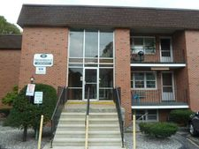38 Highland Ave Apt 103, Naugatuck, CT 06770