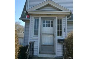 30 Nelson Ter, Bridgeport, CT 06610