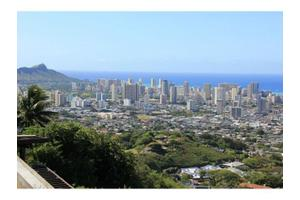 2795 Round Top Dr, Honolulu, HI 96822