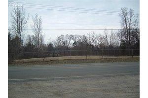 8021 E Coldwater Rd, Davison, MI 48423