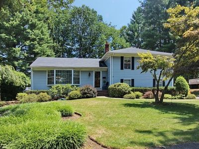 5 Birchwood Dr, Livingston, NJ