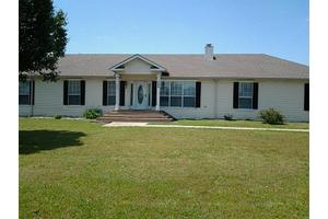 154 County Road 4107, Greenville, TX 75401