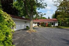 3256 Westview Dr, Northbrook, IL 60062