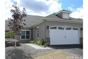 103 Star Gaze Cir, Manlius, NY 13066