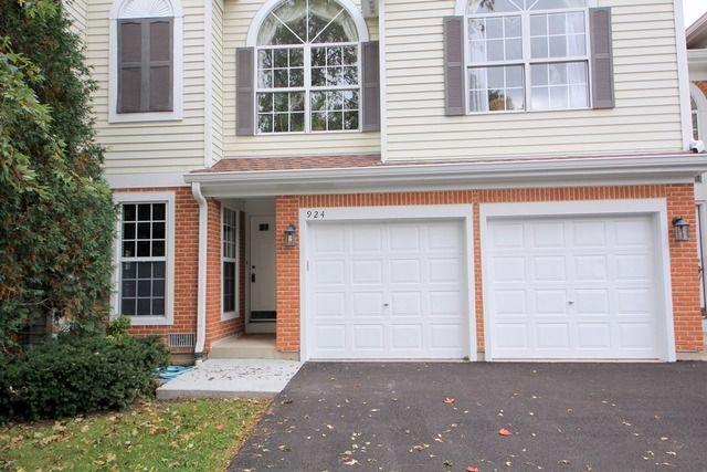 Home for rent 924 ann arbor ln vernon hills il 60061 for V kitchen ann arbor
