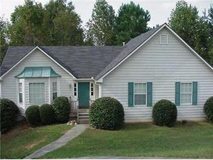 $975 - 4133 Chanticleer Dr Nw