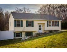 366 Rumonoski Dr, Northbridge, MA 01534