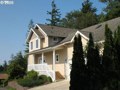 735 Date Ave, Coos Bay, OR