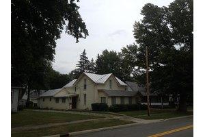 306 E High St, Ashley, OH 43003