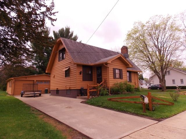 439 W Garfield St Freeport Il 61032 Home For Sale And