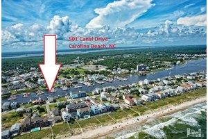 501 Canal Dr Apt E, Carolina Beach, NC 28428