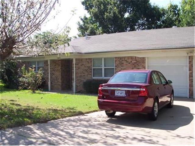 7832 Harwood Rd, North Richland Hills, TX 76180