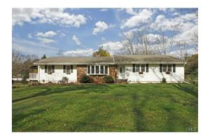 18 Birch Rise Dr, Newtown, CT 06470