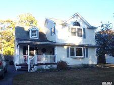 167 Woodland Dr, East Islip, NY 11730
