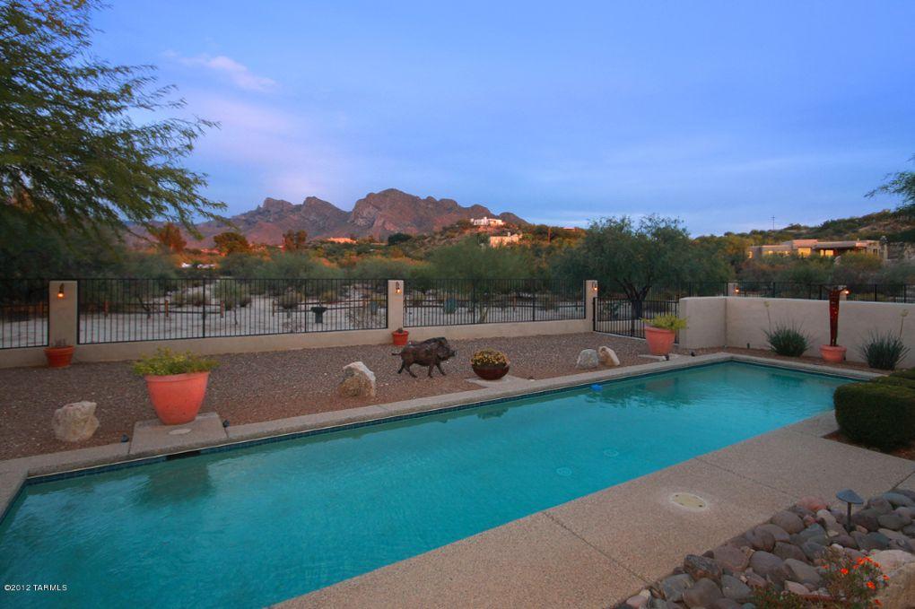 1083 W Saddlehorn Dr, Tucson, AZ 85704
