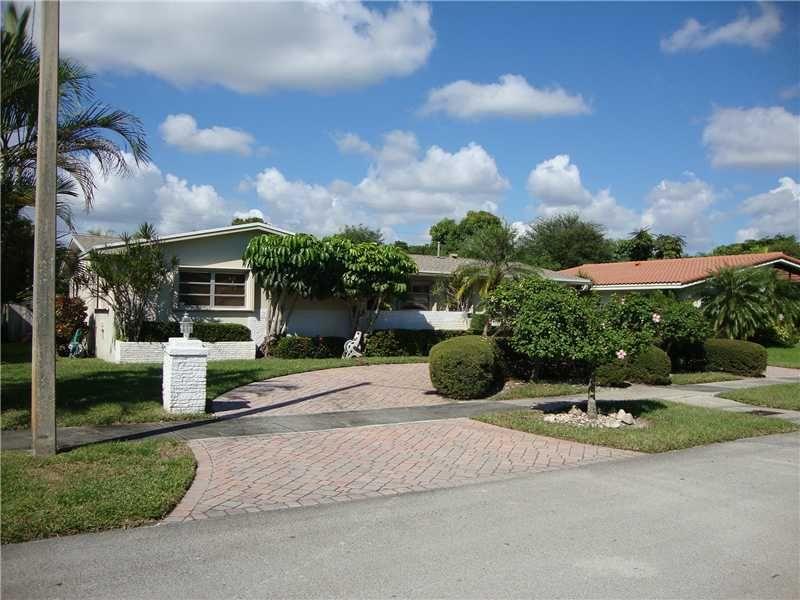 19420 Ne 18th Pl, North Miami Beach, FL 33179