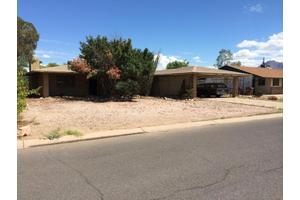 604 E Peppertree Ave, Apache Junction, AZ 85119