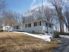 153 W Prospect St, Nanuet, NY 10954