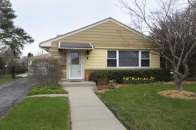 7 N Reuter Dr, Arlington Heights, IL