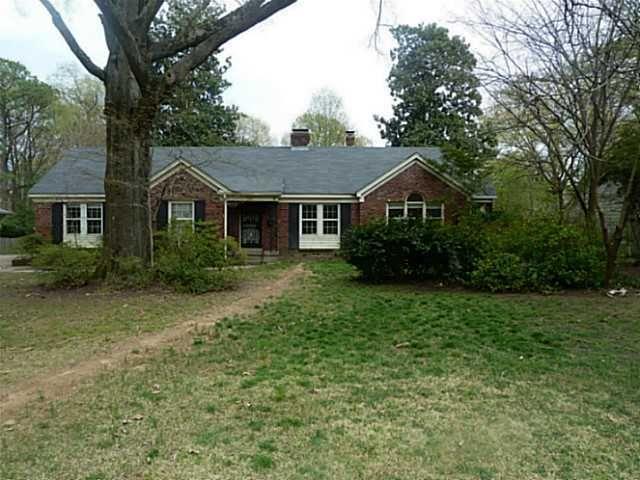 330 Colonial Rd, Memphis, TN 38117
