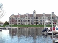 5387 Mariners Cove Dr Unit 303, Madison, WI 53704