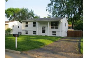 3123 Bayberry Dr SW, Cedar Rapids, IA 52404