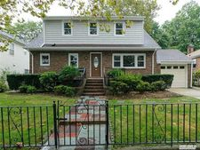 27 N Marwood Rd Unit 1st, Port Washington, NY 11050