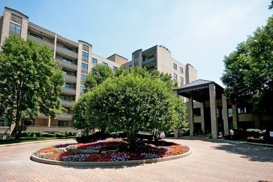 4545 W Touhy Ave Apt 610, Lincolnwood, IL 60712