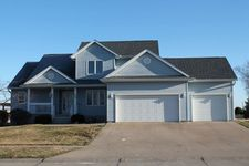 408 Yakish Ct, Lone Tree, IA 52755