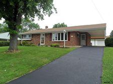 2425 Berkshire Ln, Dover, PA 17315