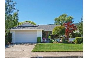 7120 Fairfield Dr, Santa Rosa, CA 95409