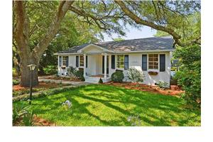 309 Pitt St, Mount Pleasant, SC 29464