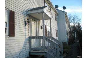 26 Canterbury Arms, New Milford, CT 06776