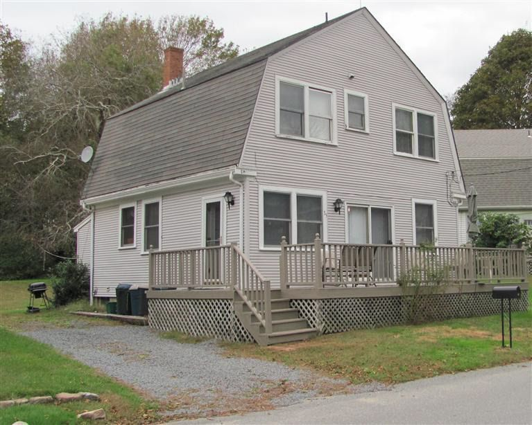 35 Savery Ave Sagamore Beach, MA 02562