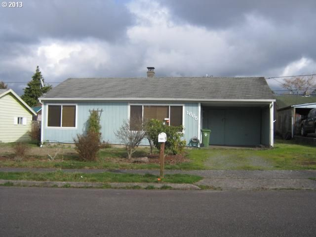 1665 Grant St North Bend, OR 97459
