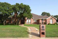102 Laurel Oaks Ln, Crawford, TX 76638