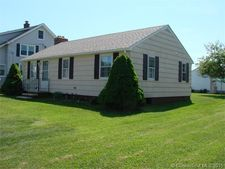 21 Mohican Trl, Old Saybrook, CT 06475