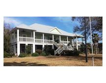 3630 Baywood Dr, Moss Point, MS 39563