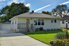 2202 Rohlwing Rd, Rolling Meadows, IL 60008