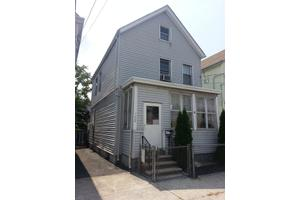 122 Franklin St, Elizabeth City, NJ 07206