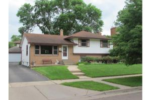 2238 Edgebrook Ave, Saint Paul, MN 55119