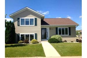 801 Bassford St, St. Peter, MN 56082