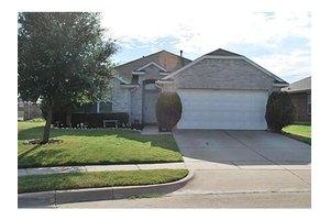 5801 World Champion Ct, Fort Worth, TX 76179
