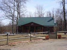 1056 Fields Creek Rd, Independence, WV 26374