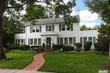145 Kensington Rd, Garden City, NY 11530