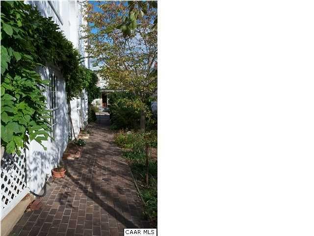 Architectural Gem In Downtown Madison >> 12 Madison Pl, Staunton, VA 24401 - realtor.com®