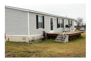 775 Homann Rd, Lockhart, TX 78644